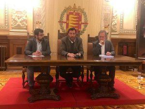 Óscar Puente junto a Alberto Bustos y Manuel Saravia