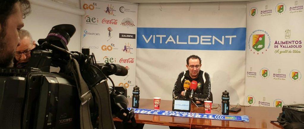 Miguel Ángel Peñas en la rueda de prensa