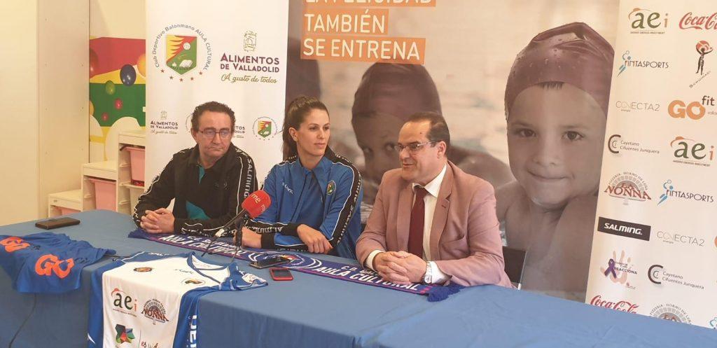Agustina López junto a Cayetano Cifuentes y Miguel Ángel Peñas