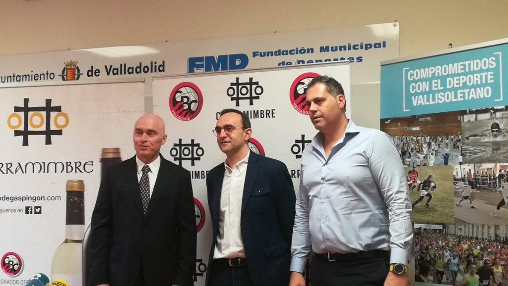 Hugo López junto a Mike Hansen y Saúl Hernández
