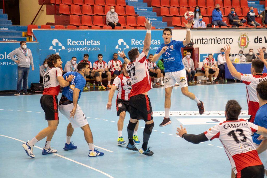 Jorge Serrano elegido por los usuarios de LaLiga Sports TV como mejor extremo derecho de la primera vuelta