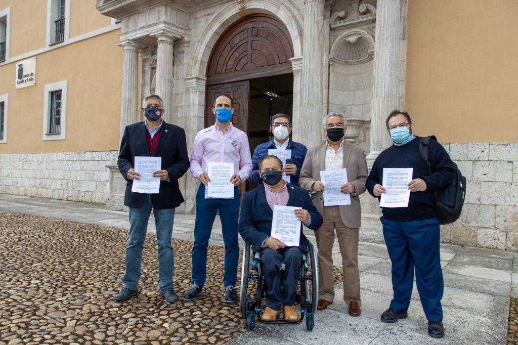 Los clubes de élite registran su propuesta de patrocinio para la Junta de Castilla y León y se reúnen con los grupos parlamentarios