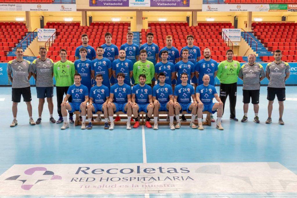 El Recoletas realiza la foto oficial y ya conoce su horario de debut en la Liga Sacyr Asobal 2021-22